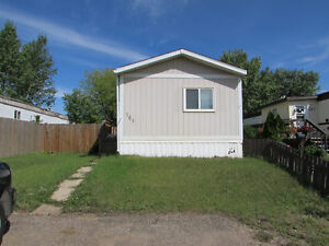 161 GREENBRIAR BAY - LOVELY MOBILE SITUATED ON QUIET STREET