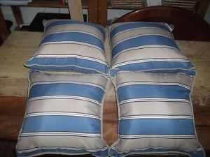 4 Accent Pillows ( Never Used )