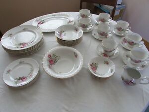 Regal Rose Ridgway (White Mist) china set (45 pieces)