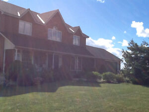 Binbrook Country Home Minutes from Town