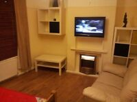 Two single rooms available in same house in Croydon area, Thornton Heath, selhurst £93