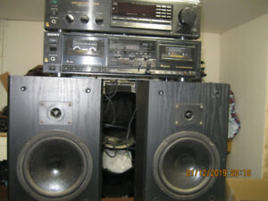 sony stereo amp amp and 2 genesis speakers cd player