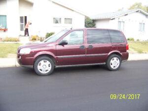 2007 Chevrolet Uplander LS Minivan, Van
