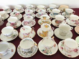 Vieilles tasses en porcelaine - Fine bone china cups Queen Ann