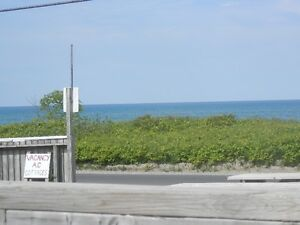 Sauble Beach 1 bedroom A/C, lake front cottage