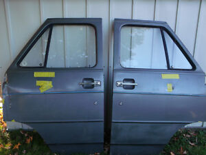 1971-95 GMC or Chevy Doors Front, left and right London Ontario image 4