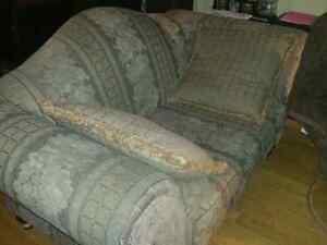 Sofa 2 mcx , 2 pieces , low price