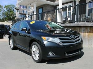 2014 Toyota Venza / 2.7L I4 / Auto  **All Wheel Drive**