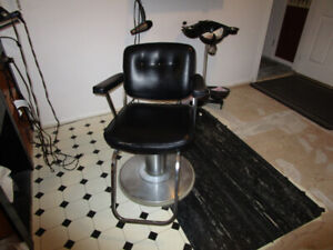 HYDRAULIC SALON CHAIR AND FATIGUE MAT 2 Separate ITEMS