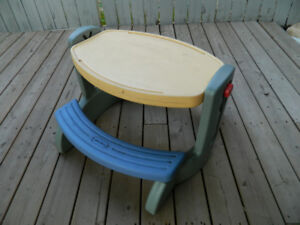 Picnic table for toddlers