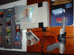 Nintendo nes 001 with 16 games (1985)