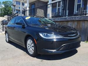 2015 Chrysler 200 LX / 2.4L I4 / Auto / FWD **Low Km's**