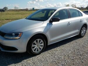 2013 VW JETTA 2.0L GAS AUTO LOADED 84.000KM $10200 CERT.