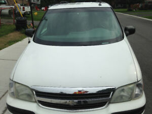 Chevy venture 2005 quick sell needs a little work $600