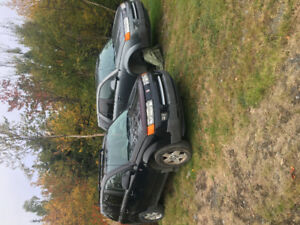 Selling (2) 2004/2005 Saturn VUE SUV, Crossover for parts