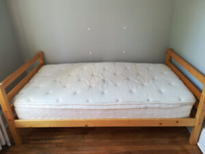 Selling furniture, including mattress,bedstead and a desk
