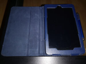 DELL VENUE 7 TABLET FOR SALE - LIKE NEW
