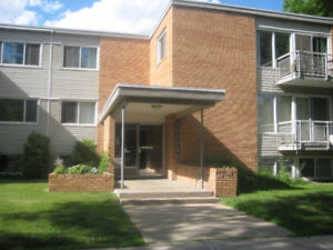 Bachelor Suite Ideally Located in West Oliver