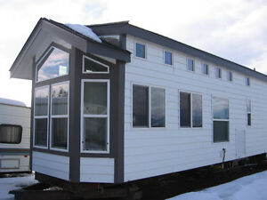 CAVCO PARK MODEL MOBILE HOME to be moved