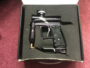DP G4 Paintball marker + accessories