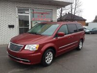 Chrysler Town - Country 4dr Wgn Touring 2011