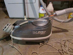 Tri Star Vacuum Cleaner with Power Head