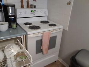 a vendre frigidaire, lave-vaiselle et cuisiniere