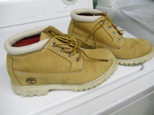 Timberland winter boot ( size 8 for girl)