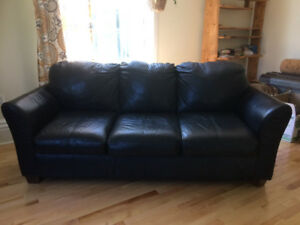 Leather Couch/ Love Seat- black