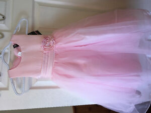 Size 5 pink flower girl dress. New with tags
