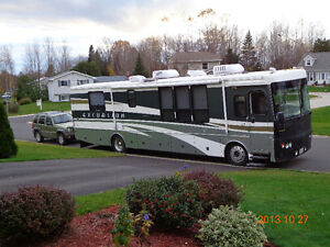 2002 FLEETWOOD RV EXCURSION DIESEL PUSHER- 39FT WITH TOW VEHICLE