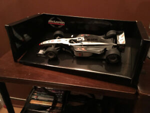 Minichamps F1 West McLaren Mercedes MP 4/13