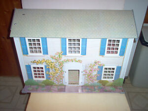 VINTAGE TIN LITHO DOLLHOUSE