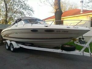Sea ray signature 23 pieds  2000 cuddy sport