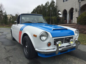 1970 Datsun 1600 Roadster - Convertible