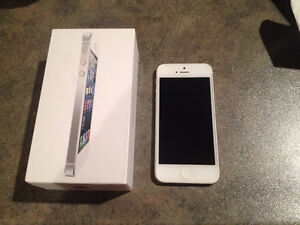 32 MB iPhone 5 for sale!!