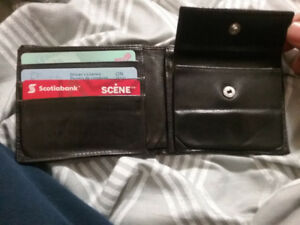 GUCCI WALLET FOR ONLY 75 BUCKS