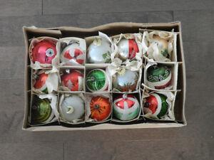 Décoration Noël  -  15 boules antiques