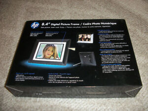 "8.4"" HP Digital Photo Frame (DF840A1) - Excellent Condition"