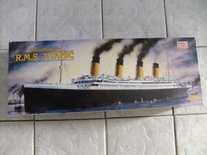 Titanic by Minecraft Model 350 Scale Vintage / Metal Detail !!!!