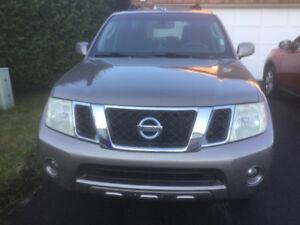 2008 Nissan Pathfinder SUV, Crossover
