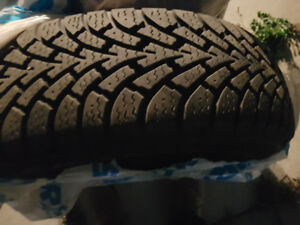 225/65 R17 Winter Tires and Rims ..LESS THAN 5000 Km.