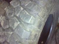 4 mug tire good condition