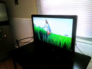 Phillips 32 Inch LCD  HD Flatscreen /Remote
