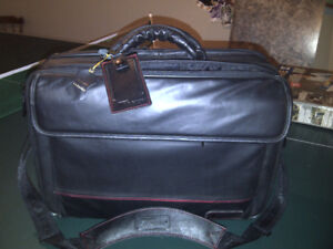 Targus genuine leather laptop bag and brief case