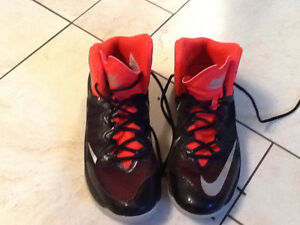 Nike prime hype II size 7.5 UK shoes