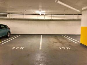 Garage in YUL condo for sale