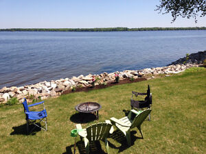 Mississippi Lake Waterfront Cottage, Aug 28-Sep 2 available!