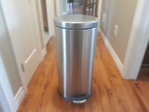 Stainless steel round garbage can