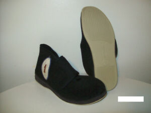 NEW SLiPPERS / HOUSE SHOES ORiGiNAL FOAMTREADS Size 11.5
